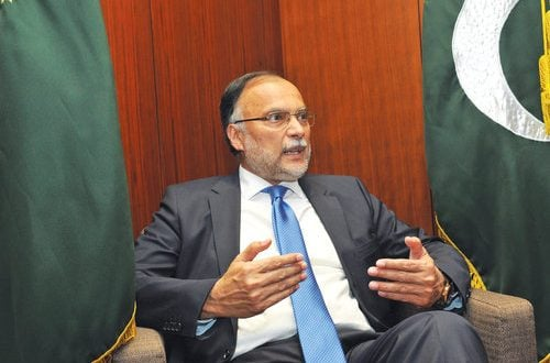 Pakistan negotiating transfer of its citizens from Oman's prisons: Minister
