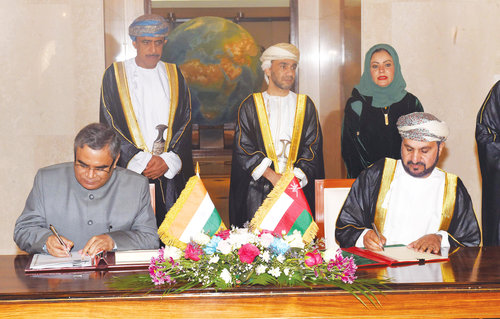 Oman, India sign eight pacts to consolidate strategic relations