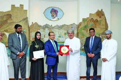 Lulu Group International honoured by Muscat Municipality for partnering on landscaping and beautification works