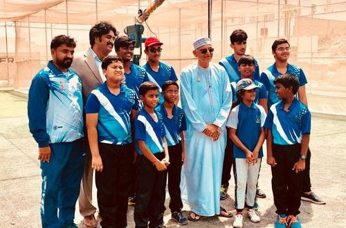 Oman Cricket secretary visits Salalah Youth Cricket Academy