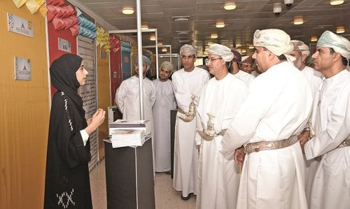 SQU Forum highlights role of information specialists in enriching smart society