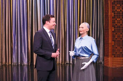 World's first humanoid citizen to address tech event in Muscat