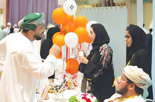 Injaz Oman holds first Student Companies Exhibition of the year