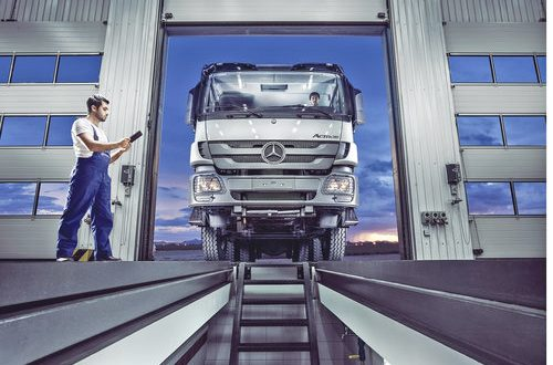 Mercedes-Benz Oman provides economy service packages for all trucks at Commercial Vehicles Workshop in Haima