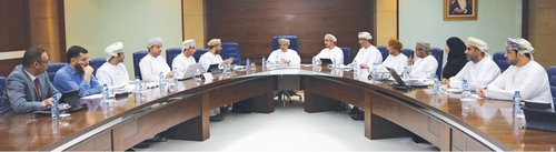 Ministry of Higher Education and Oman Charitable Organization discuss student support for social security families