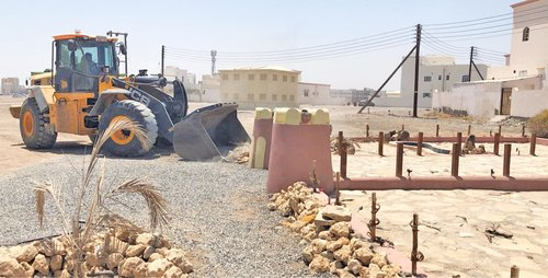 Municipality takes action against construction violation, illegal possession of land in Seeb