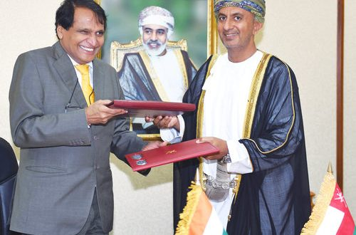 Oman, India discuss ways to boost economic relations