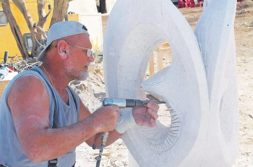 Training camp hones young Omani sculptors' talents