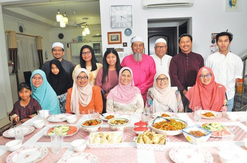 Home away from home: Malay family keeps to its traditions