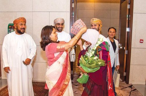 Mount Everest climber Nadhira receives rousing welcome