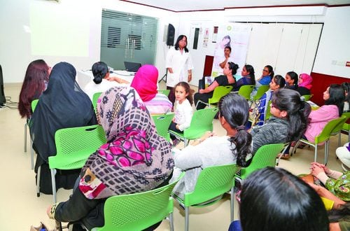 Experts conduct antenatal classes for expectant mothers at KIMS Oman Hospital